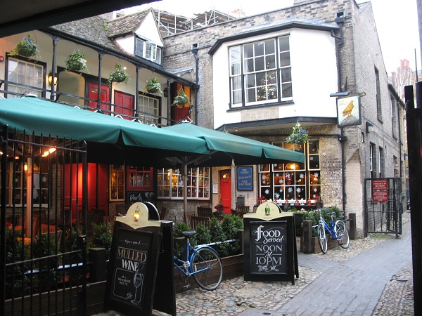 9 of the Best Pubs and Bars in Cambridge